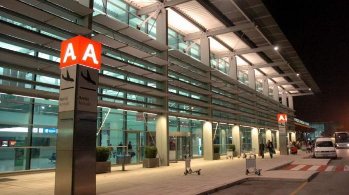 Parcheggio aeroporto Ancona Falconara