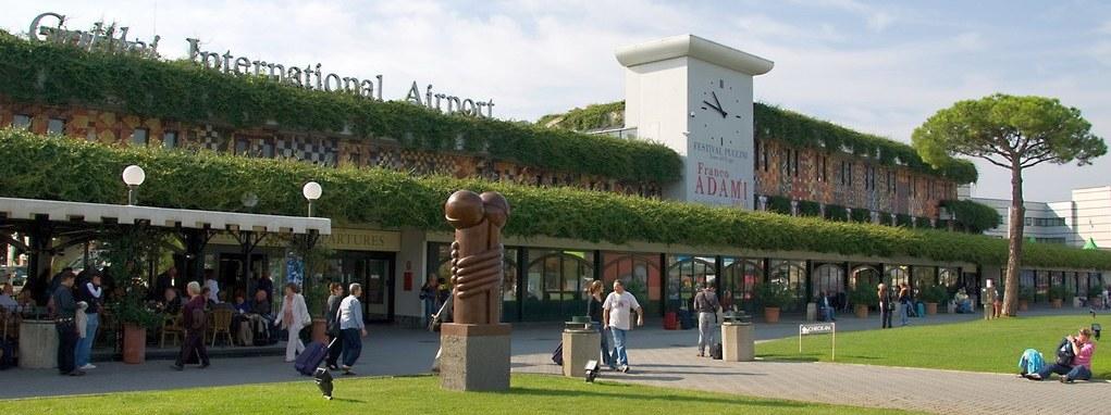 Parcheggio aeroporto Pisa
