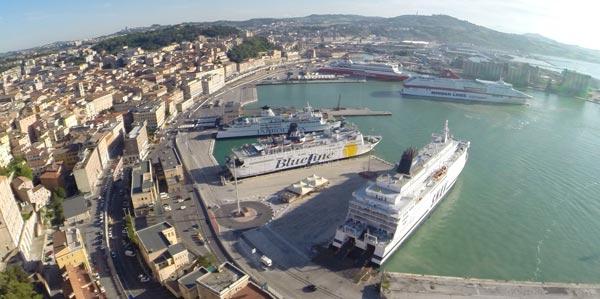 Parcheggio porto Ancona