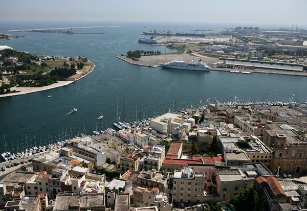 Parcheggio porto Brindisi
