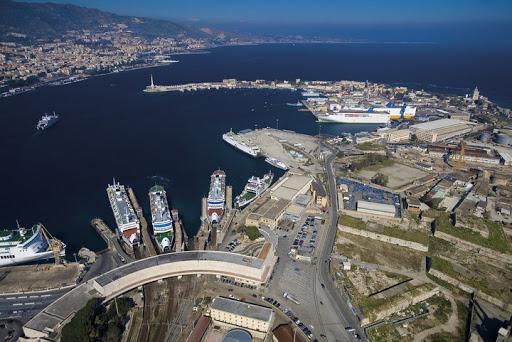 Parcheggio porto di Messina